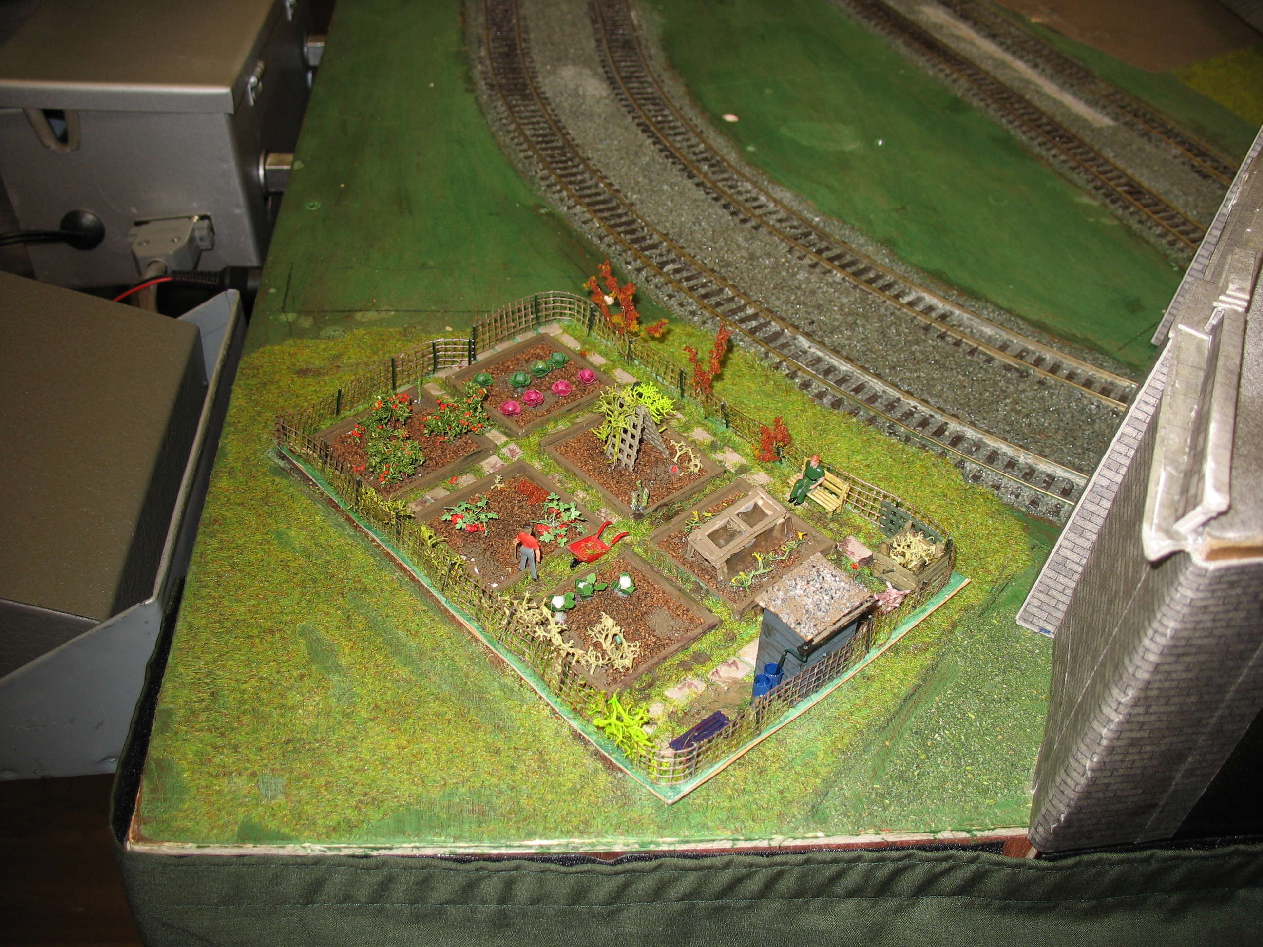 Allotments are fitted to the Thomas themed layout