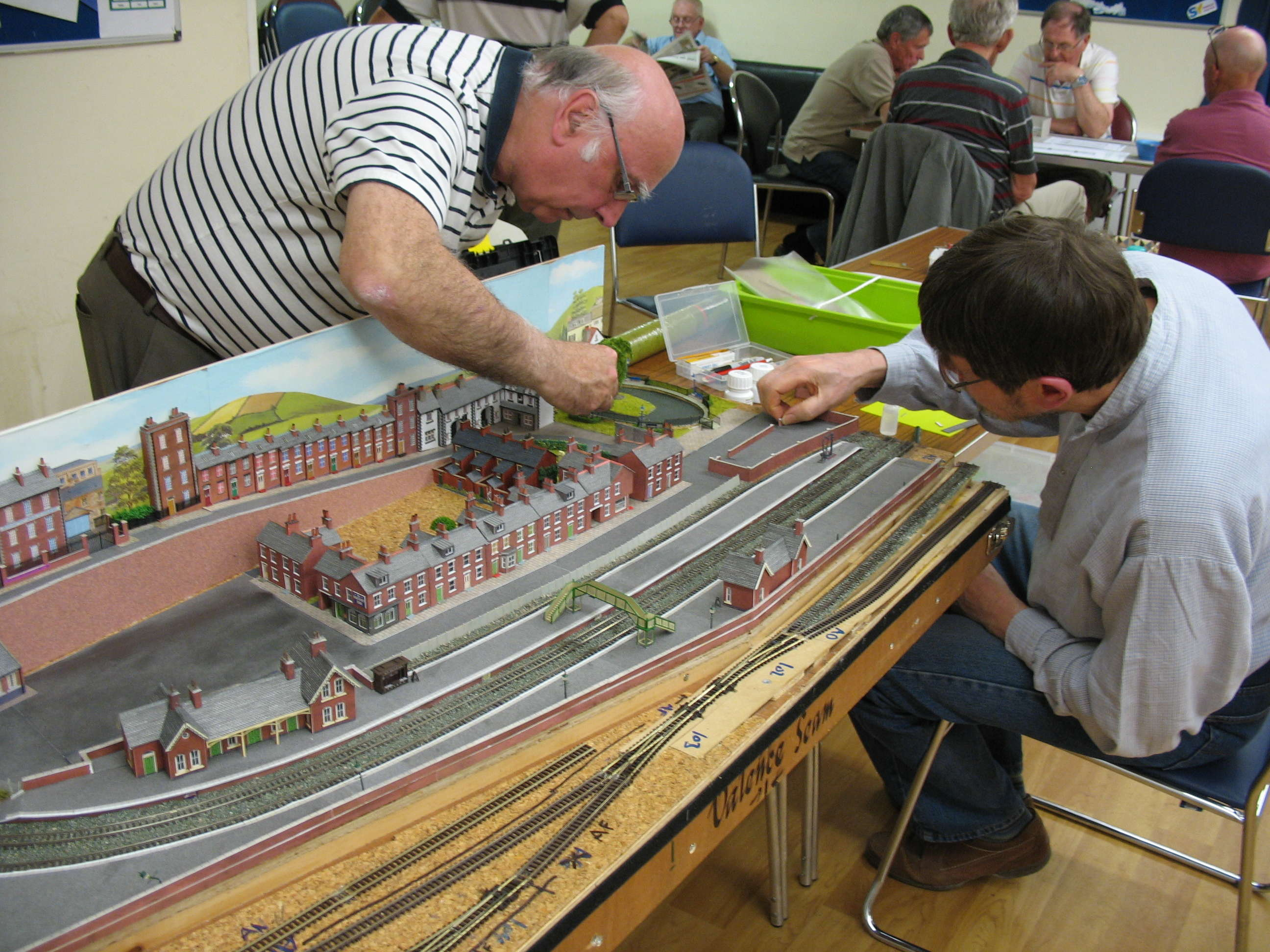 OSP&WL N gauge layout has scenic details added